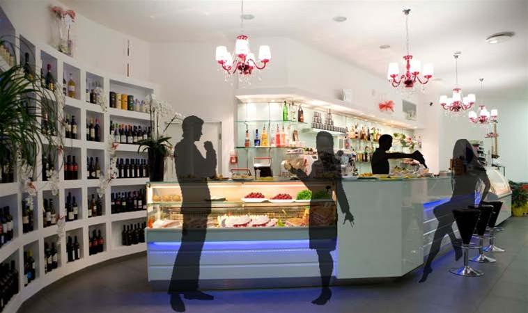 Arredo bar arredamento per bar banconi bar for Ikea arredo bar